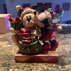 "Disney ""A Christmas Kiss"" Minnie and Mickey figure"